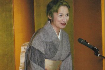 荻野アンナさん、落語に学んだ「つらい状況を笑いに変える力」【趣味のススメ】