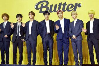 """『Butter』1位返り咲き記念!BTSの気品あふれる""""ルイ・ヴィトンコーデ""""をチェック"""