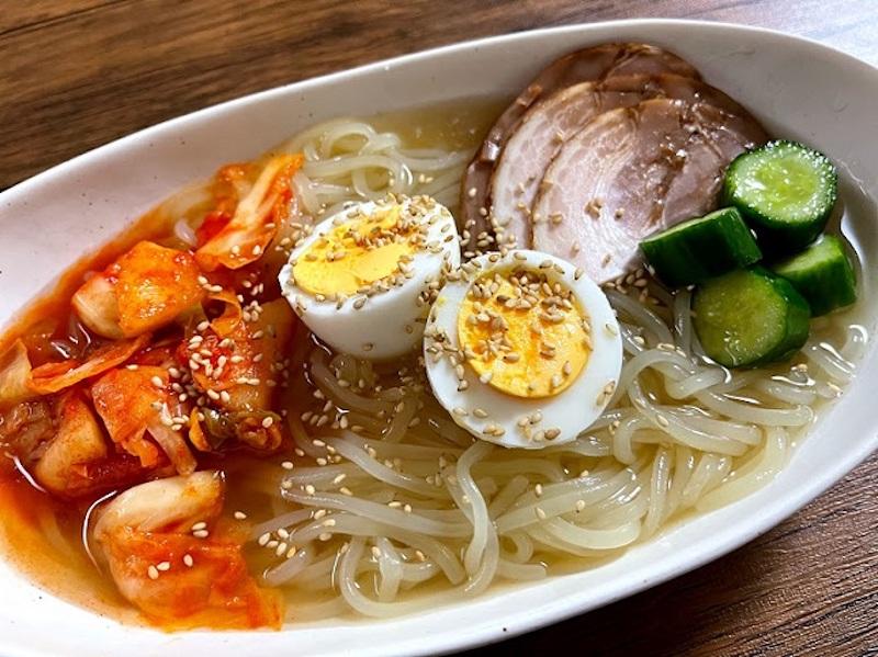 ぴょんぴょん舎『盛岡冷麺』の調理例