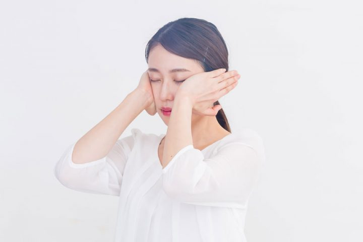 眼精疲労を和らげる「眼圧リセット」 美容にもおすすめのマッサージ法を紹介