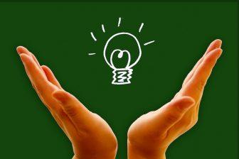 電気料金「市場連動型」の人は要注意!今年の冬は料金が高騰する可能性