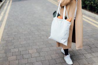 ネットスーパーの賢い買い物術|カート機能やポイント活用ならもっとお得に!