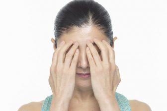 知らないうちに刻まれてる!?「額のしわ」を解消する方法を表情筋研究家が伝授