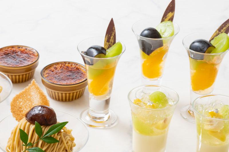日本酒ヴェリーヌ(右下)、栗のクレームブリュレ(左上) 、長野パープルとシャインマスカット サマーシトラス(右上)