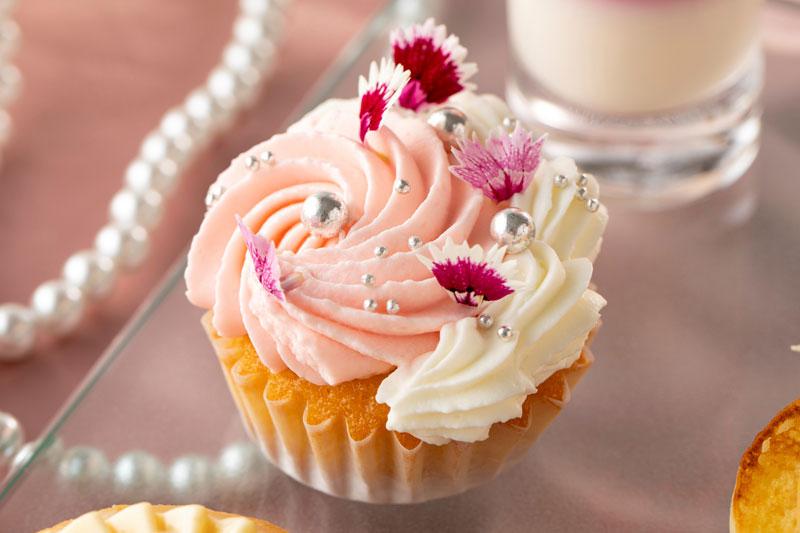 バニラとラズベリーのカップケーキ